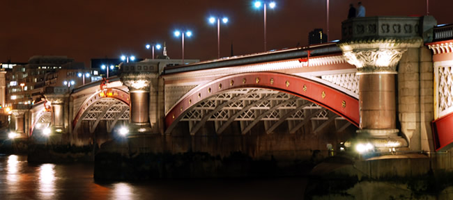 Blackfriars Bridge (o Ponte dei Frati Neri), Londra